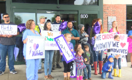 Families Rally To Support Midwives After New Policy