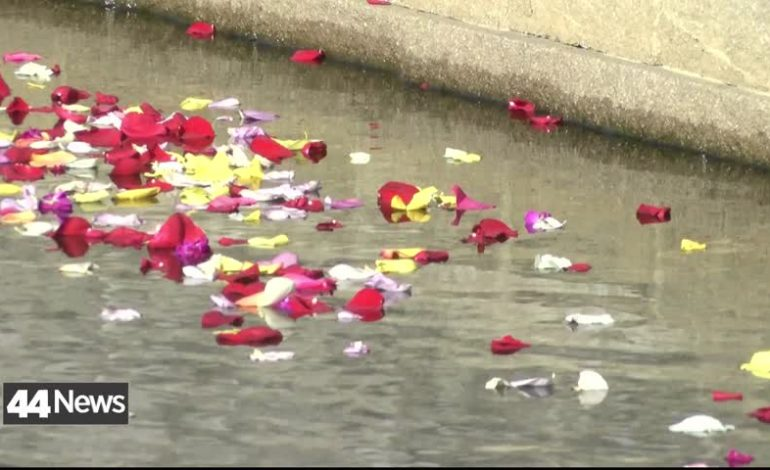 USI Holds 6th Annual Flowers On The Lake Program