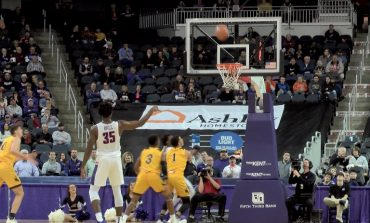UE Men Fight off Wyoming Late, Get Back on Track
