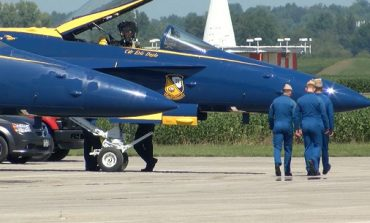 Blue Angels Arrive in Owensboro Ahead of Air Show