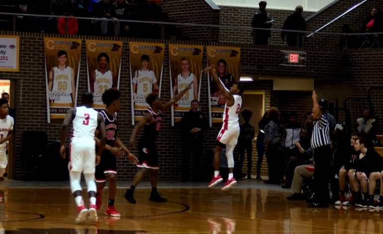 #FullCourt44: Bosse Breezes to SIAC Tourney Crown