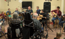 """The Appetizers"" Band Gift Nursing Residents With More Than Their Voices"