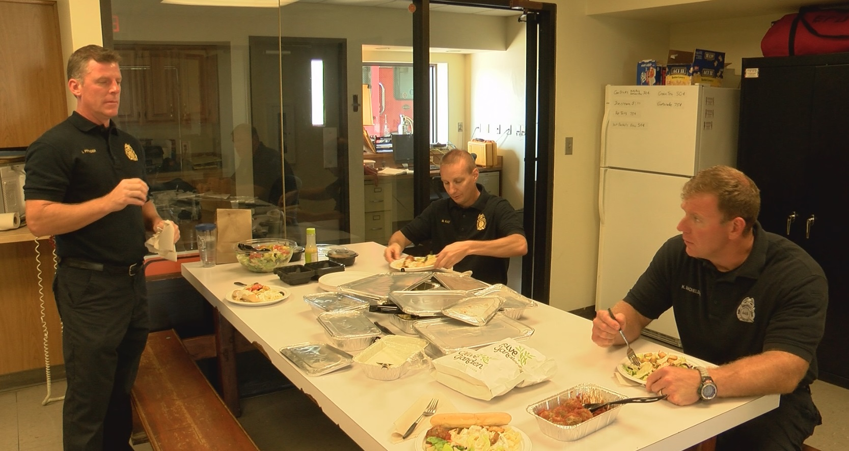 Evansville Olive Garden Delivers Lunch To Honor First Responders ...