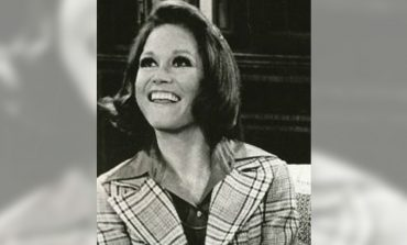 Emmy-Winning Actress Mary Tyler Moore Dies at 80
