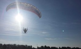 Mortons Gap-Native Will Paraglide During Solar Eclipse