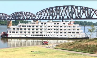 Queen of the Mississippi Makes a Stop in Henderson