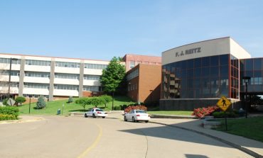 Reitz Seniors Revisiting Their Elementary Schools Ahead of Graduation