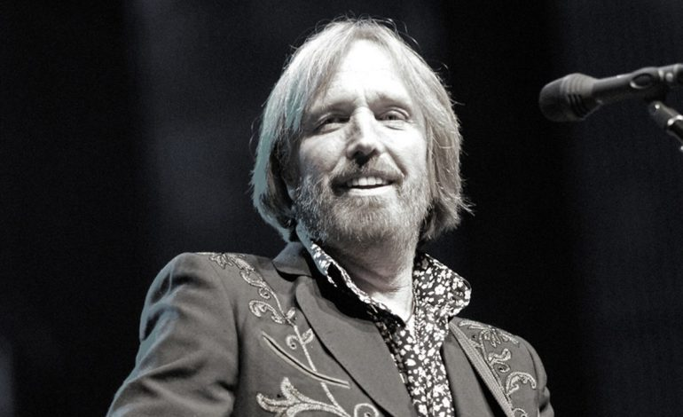 Tom Petty Rushed To Hospital After Found Unconscious In Cardiac Arrest