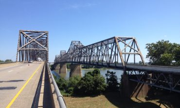 Lane Restrictions on Twin Bridges Through the Week