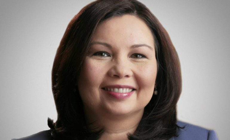 Tammy Duckworth Becomes First Senator to Give Birth While in Office