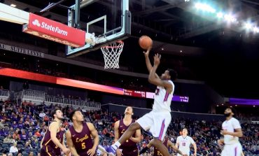 Aces Drop Third Straight MVC Game with Home Loss to Loyola